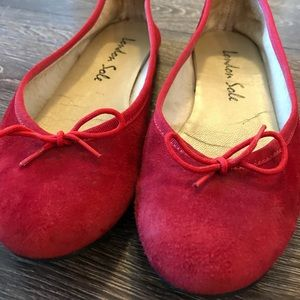 ❤️London Sole gorgeous red suede ballerina flats